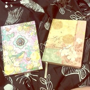 🖤NWOT Two Floral Writing Journals🖤